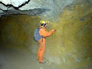 Παλιό ορυχείο σιδήρου στο Χαϊδάρι. Χαρτογράφηση από την Ελληνική Σπηλαιολογική εταιρεία