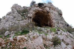 Παλιές εξορύξεις πέτρας και σιδήρου στον Διομήδειο Κήπο