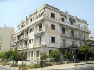 """Τι σκοπεύει να κάνει ο Δήμος με """"το κτήριο – φάντασμα""""; Νομολογία υπάρχει, πολιτική βούληση όχι!"""