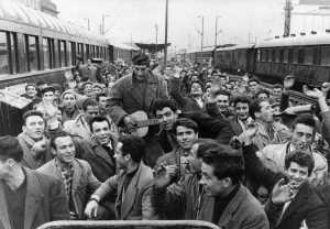 """Τρένα και άνθρωποι. """"Στο σταθμό του Μονάχου…"""", τότε και τώρα"""
