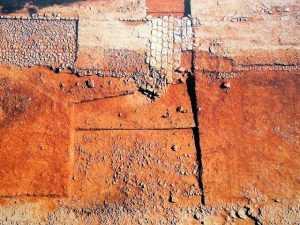 Ο βυζαντινός δρόμος στη Θεσσαλονίκη σώθηκε, ενώ η αρχαία Ιερά Οδός παραμένει παρατημένη