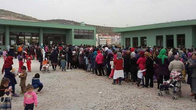 Πρόσφυγες Ευεργέτες Ρουσφετολόγων