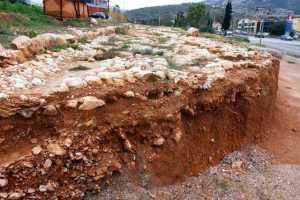 Μακρινό όνειρο η αποκατάσταση της αρχαίας Ιεράς Οδού στον Σκαραμαγκά